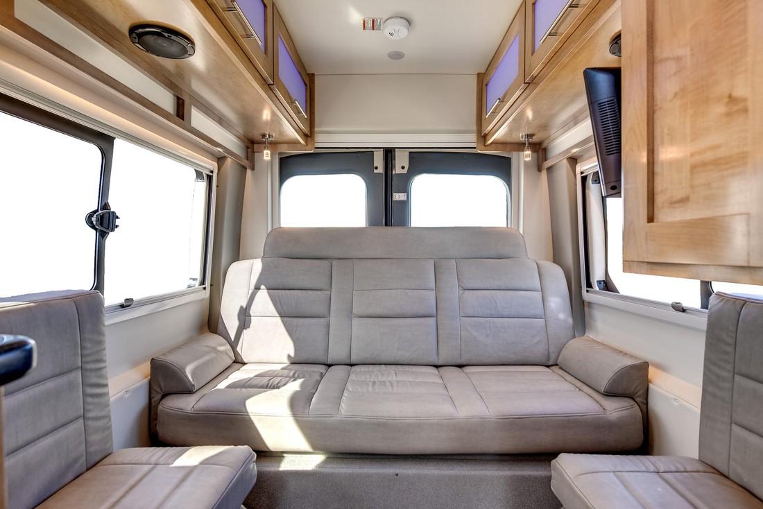 DVC Deluxe Van Camper CanaDream - Camper huren in Canada - Doets Reizen - Canada Camper Vakantie