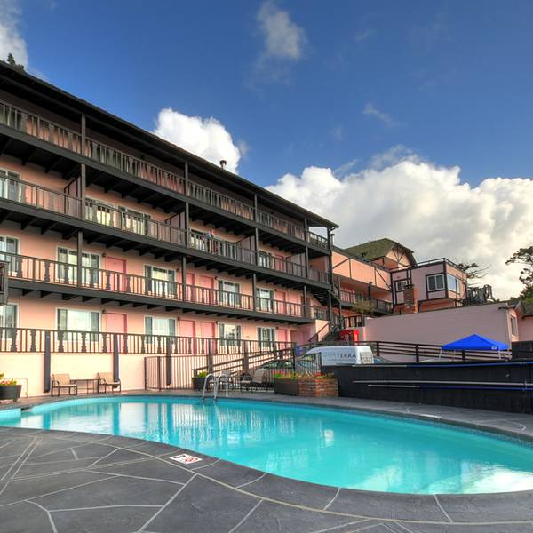 Hofsas House - pool