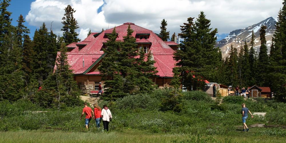 Num-Ti-Jah Lodge Bow Lake Alberta