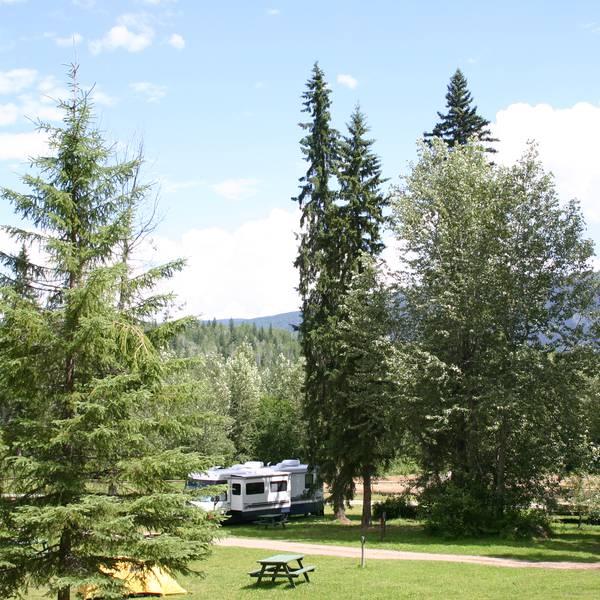 Helmcken Falls Lodge & Campground, camperplaatsen