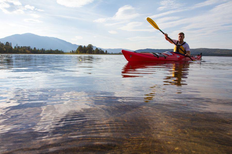 Kayak in  Norrbotten - Doets Reizen - Vakantie in Zweden - Credits Visit Sweden