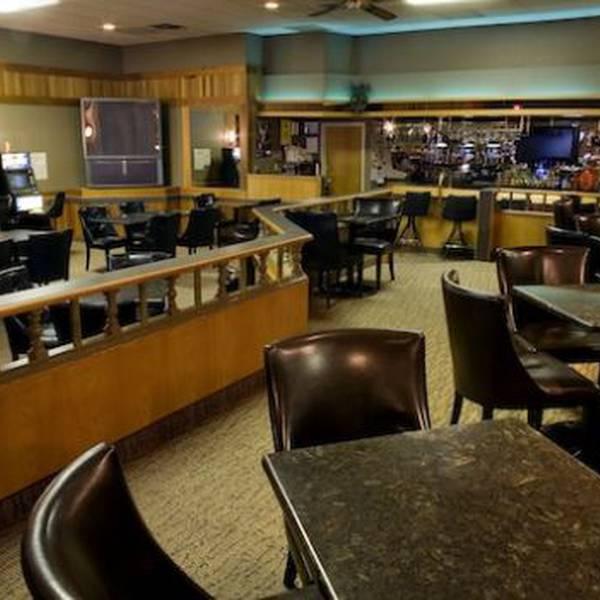 Heritage Inn Hotel Brooks - 2