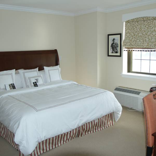The Thayer Hotel - room