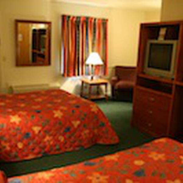 Yankee Inn - room