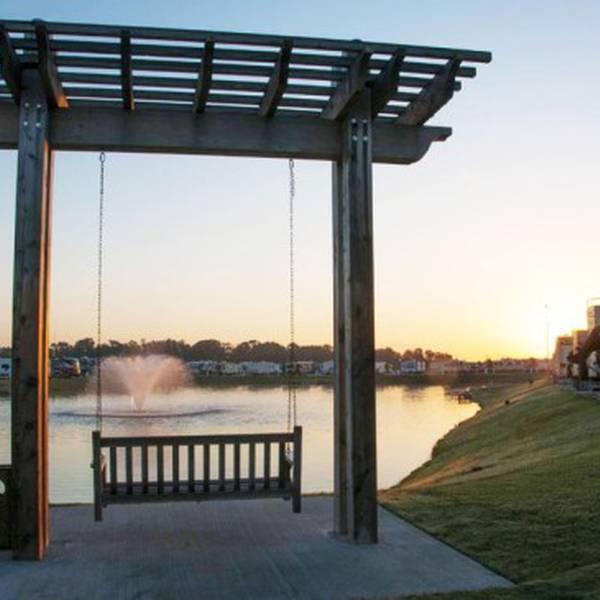 Fallbrook RV Resort - schommelstoel