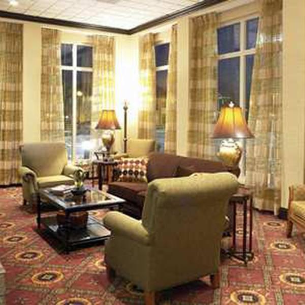Hilton Garden Inn Tupelo - lobby