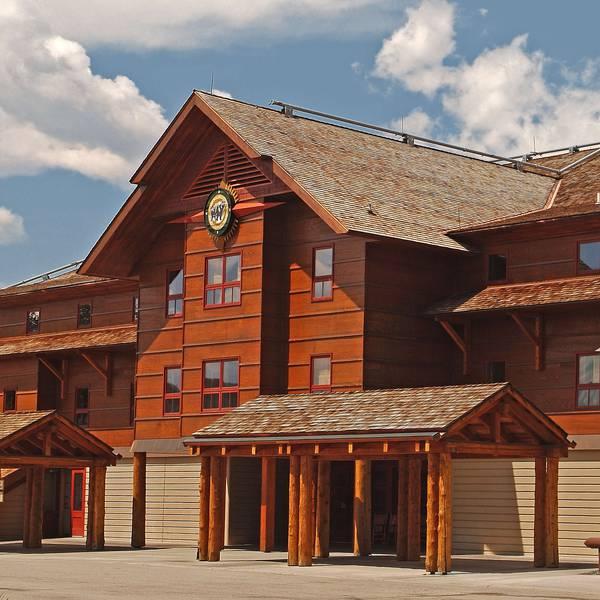 Old Faithful Snow Lodge - Exterior 2