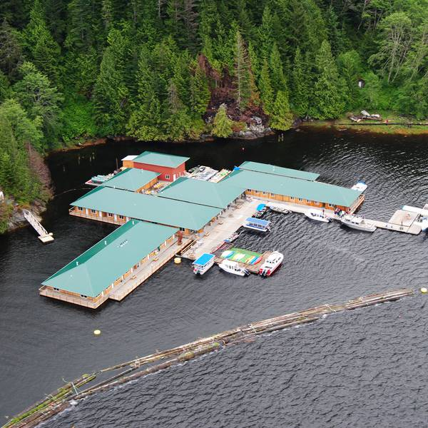 Knight Inlet Lodge1