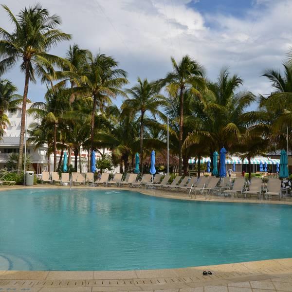 Naples Beach Resort - pool