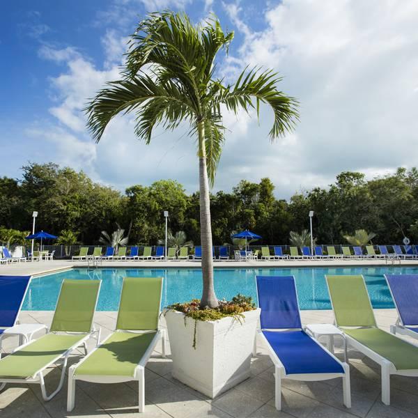 Ocean Pointe Suites - pool