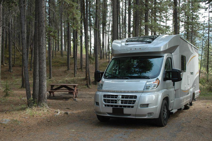 Kamperen op een camping in West Canada met de Meridian RV camper
