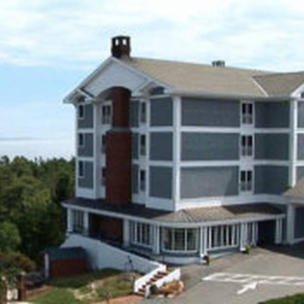 Bluenose Inn - exterior