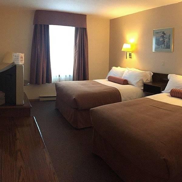 Carmacks Hotel - 3