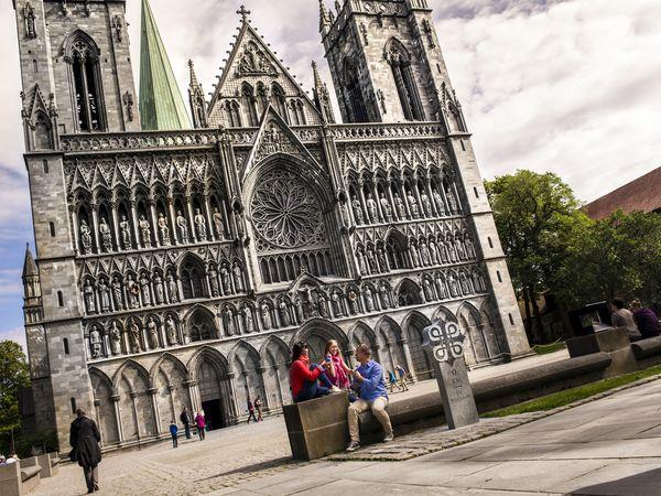 Nidaros Cathedral Trondheim - Doets Reizen - Vakantie Noorwegen-VisitNorway