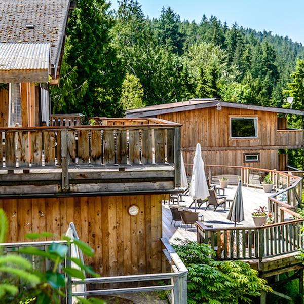 West Coast Wilderness Lodge - buiten