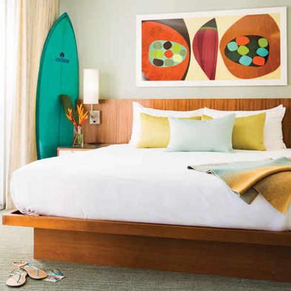 Shoreline Waikiki Hotel - room