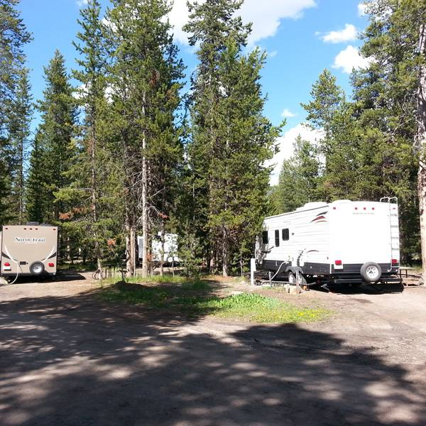Headwaters at Flagg Ranch - RV Park - camperplaats