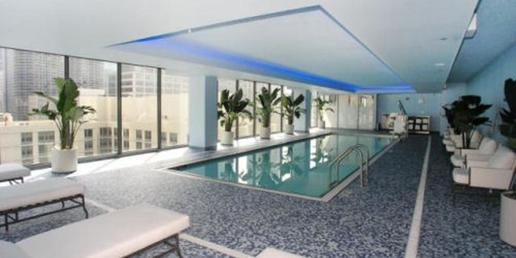 State and Grand Apartments - pool