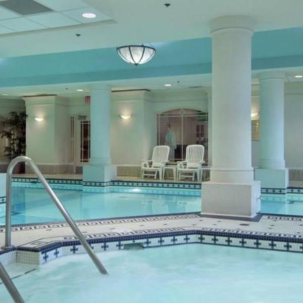 Fairmont Palliser - pool
