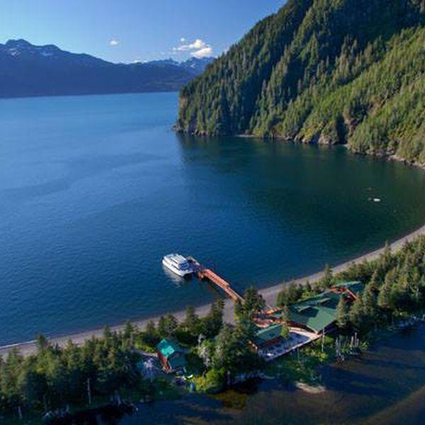 Kenai Fjords Wilderness Lodge - lodge exterior