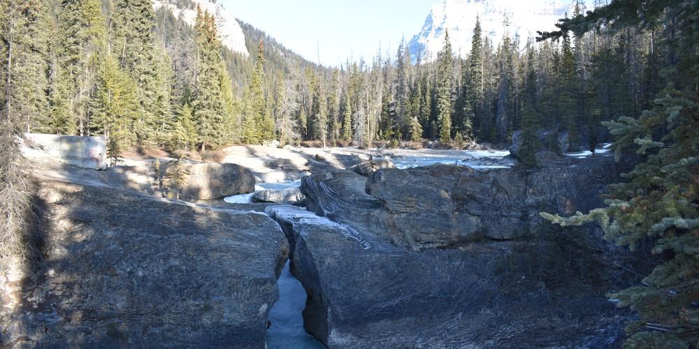 Natural Bridge - Yoho National Park - British Columbia - Canada - Doets Reizen