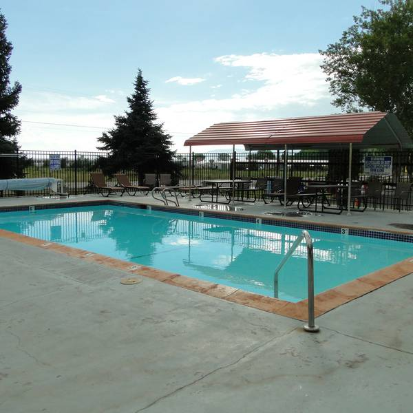 Lakeside RV Campground - Pool