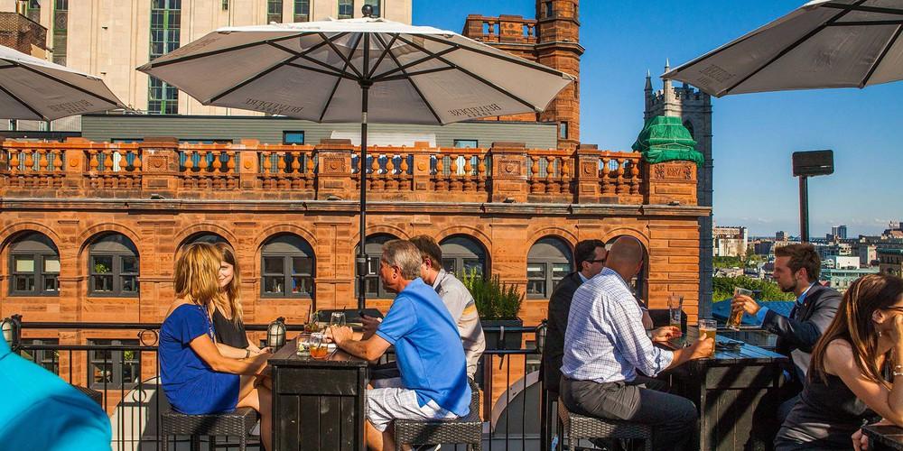 Rooftopbar Terrasse Nelligan - Old Montreal - Quebec - Canada - Doets Reizen
