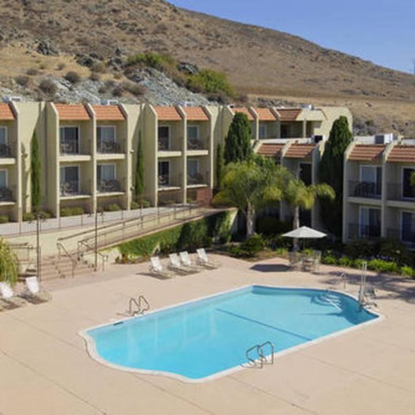 Best Western Royal Oak Hotel - exterior 2