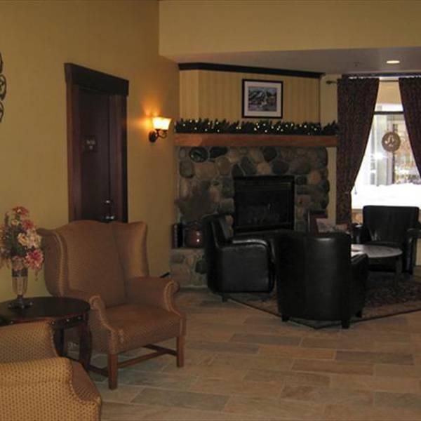 Sun Peaks Lodge - lobby
