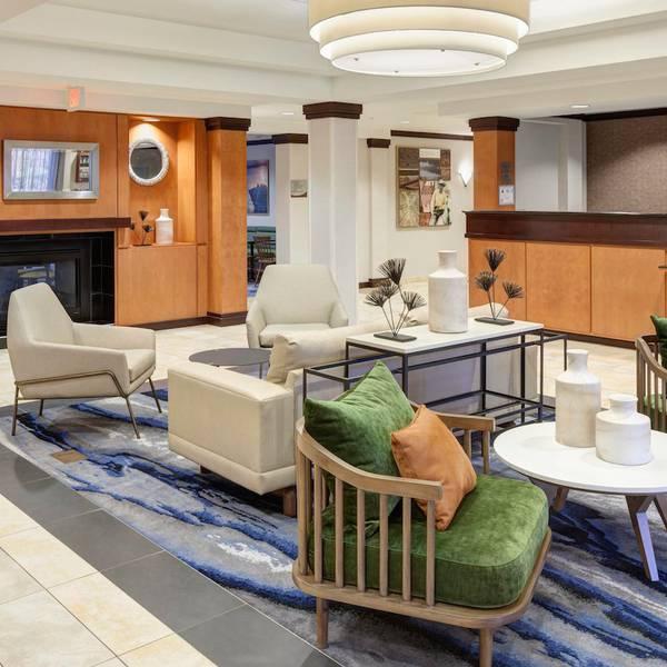 Fairfield Inn - Lobby