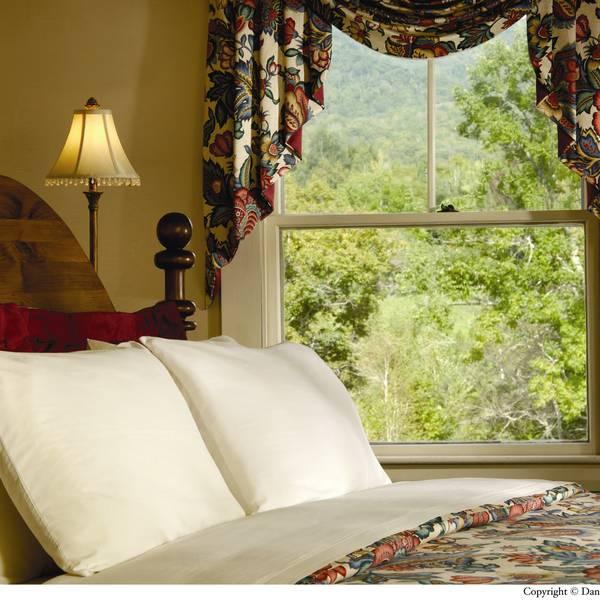 Eagle Mountain House - room