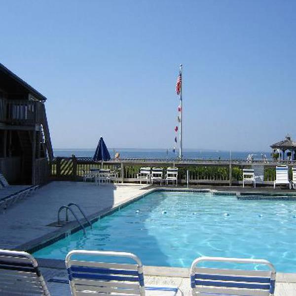 Sea Crest Oceanfront Resort - Pool