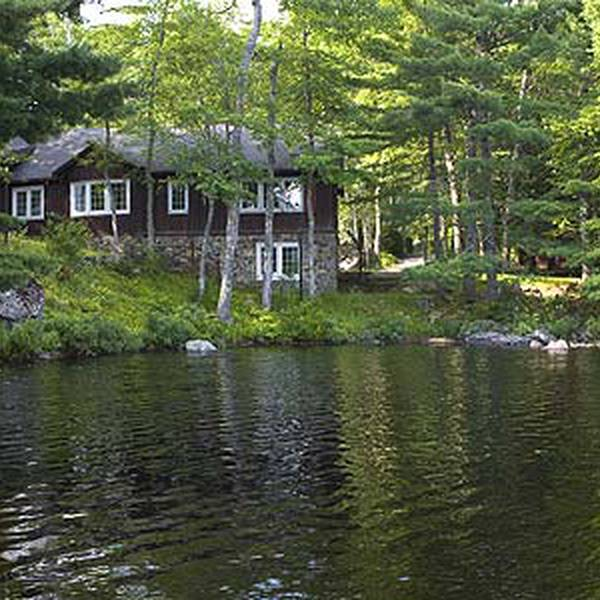 Mersey River Lodge - exterior 4