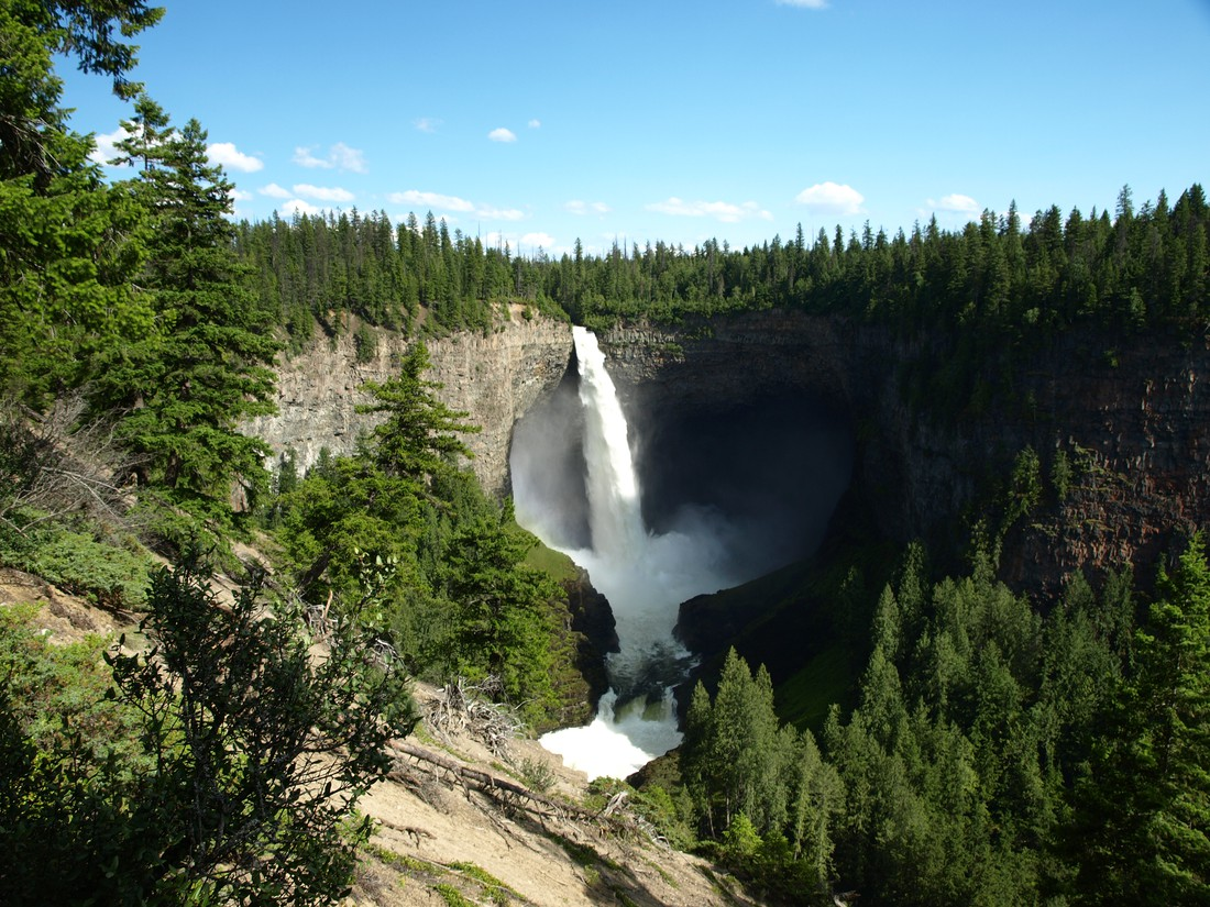 Wells Gray Provincial Park Helmcken Falls