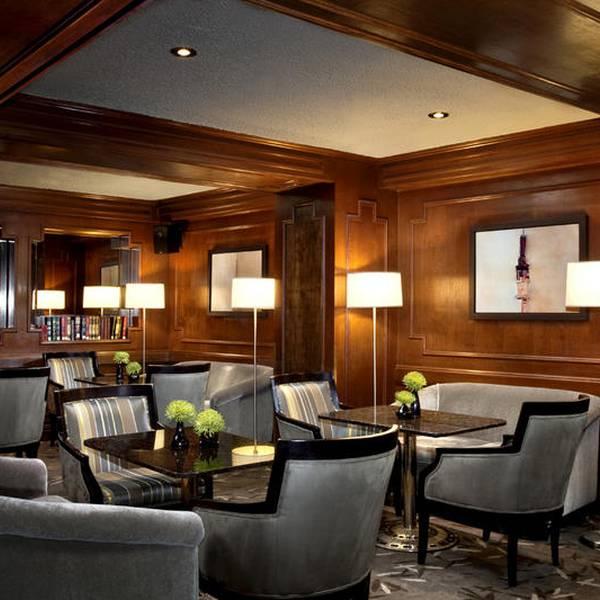 The International Hotel Calgary - bar