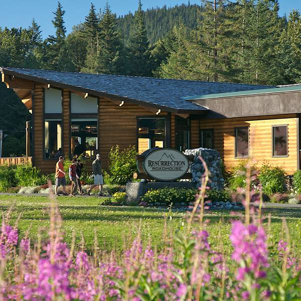 Seward Windsong Lodge - buiten