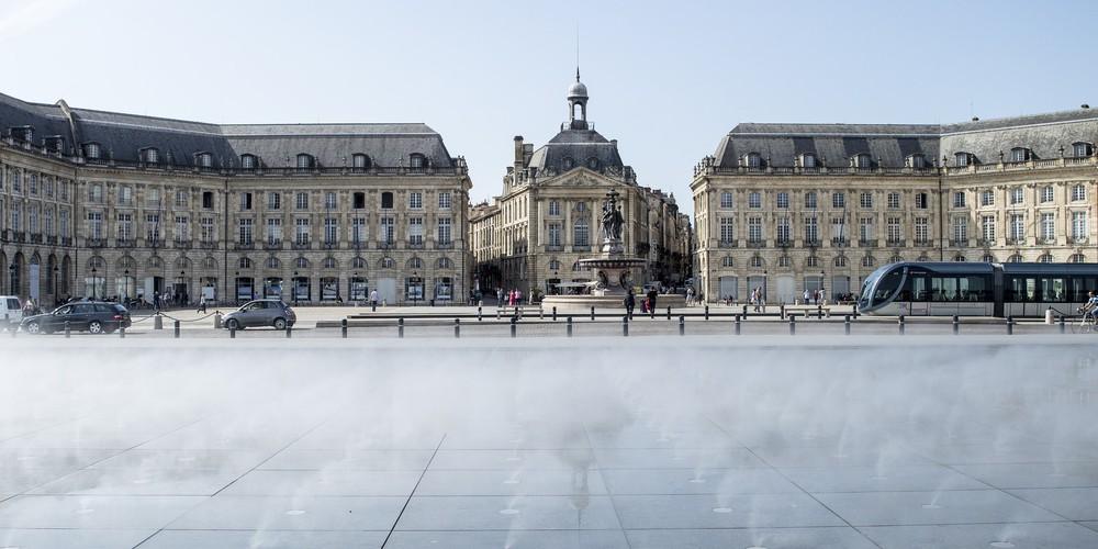 Bordeaux plein Afbeelding van Göran Waldt via Pixabay   Doets Reizen   Frankrijk