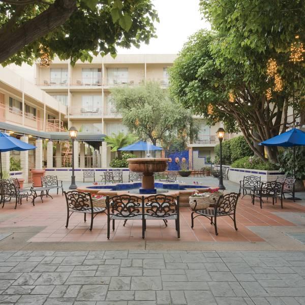 Hacienda Hotel - courtyard