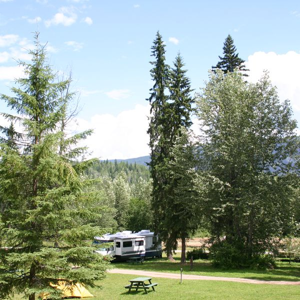 Helmcken Falls Lodge & Campground, camperplaatsen