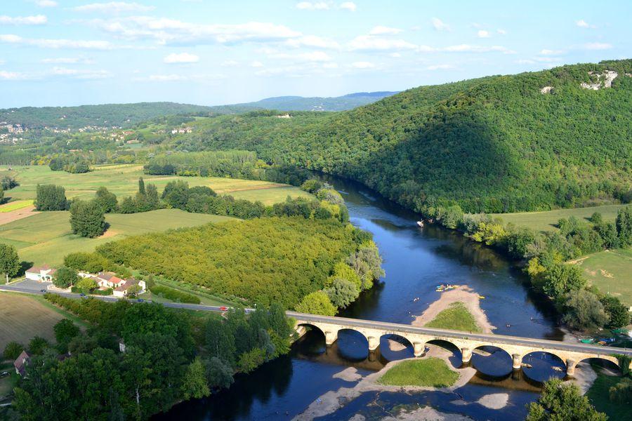 Rivier Vezere Dordogne Frankrijk Doets Reizen - Afbeelding van Julia Casado via Pixabay