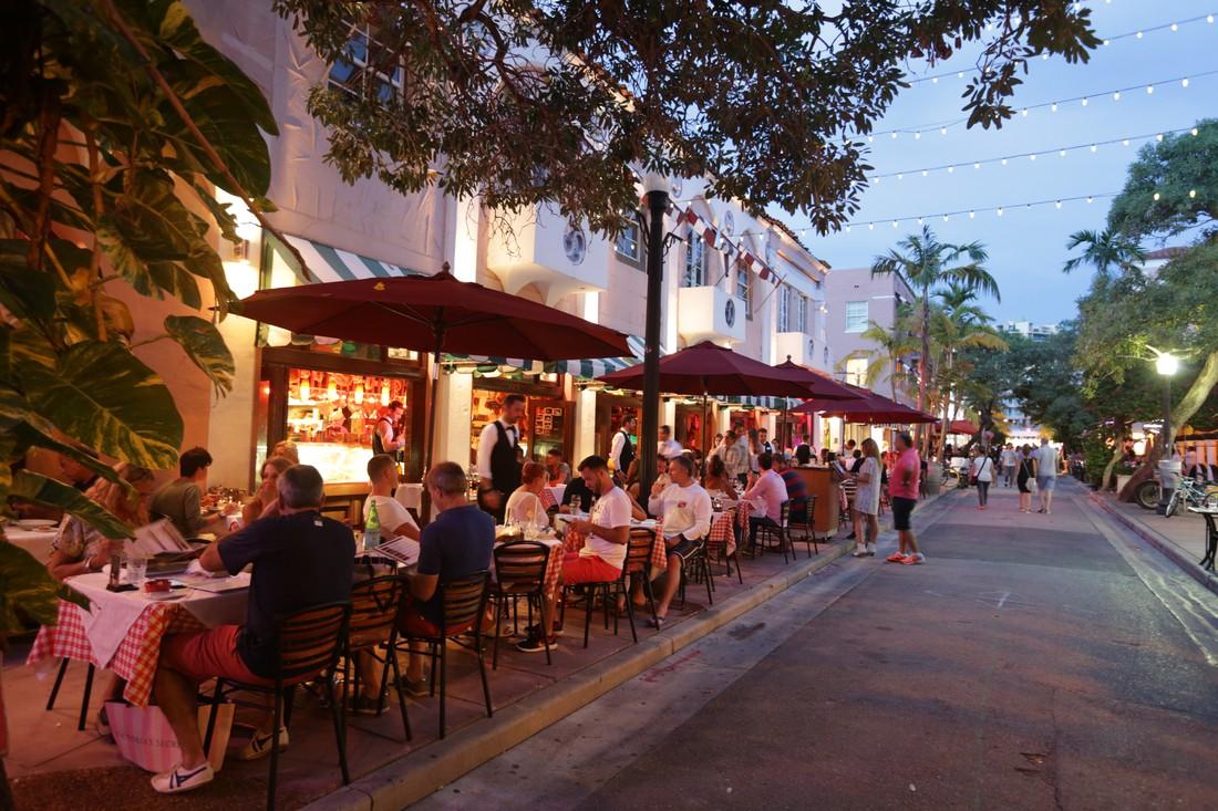 Espanola Way - Miami Beach - Florida - Doets Reizen