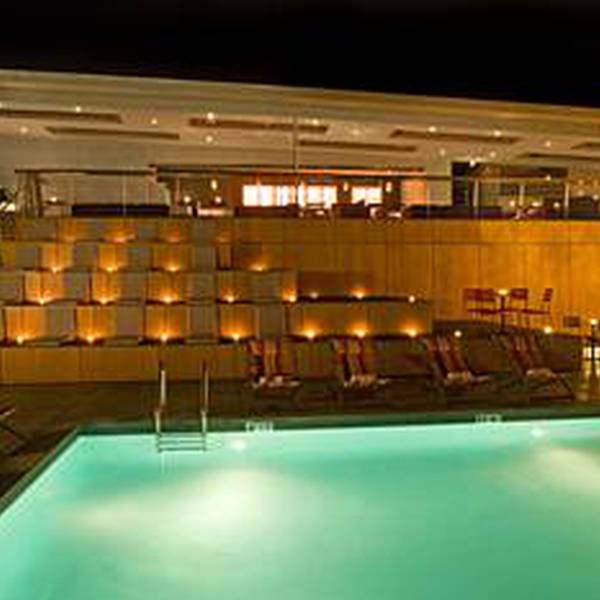 Custom Hotel - Pool