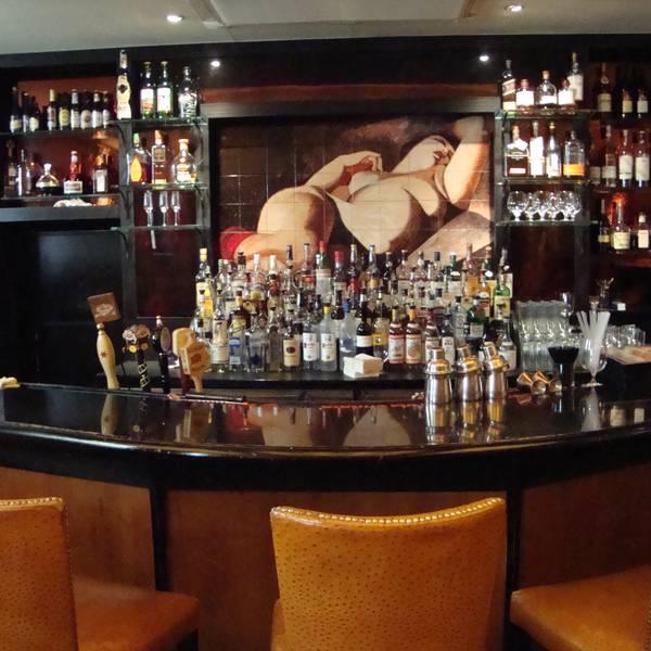 Washington Square Hotel - bar 2