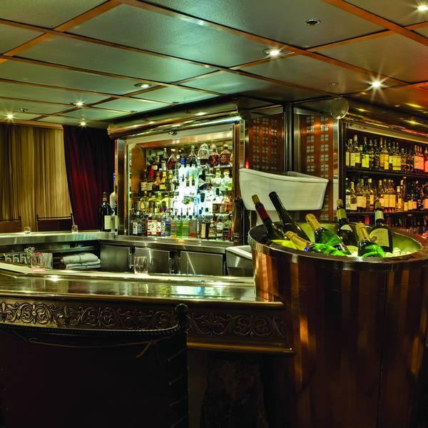 Listel Whistler - bar