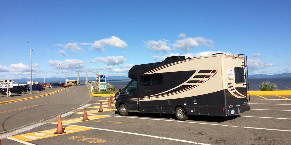 Wachten op de ferry bij Rivière-du-Loup