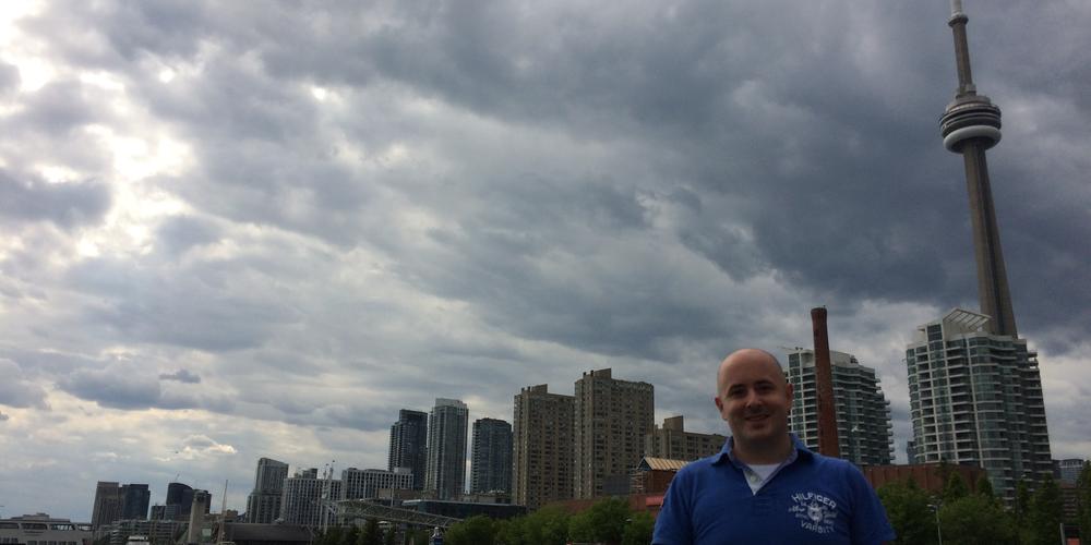 De skyline van Toronto met de iconische CN Tower