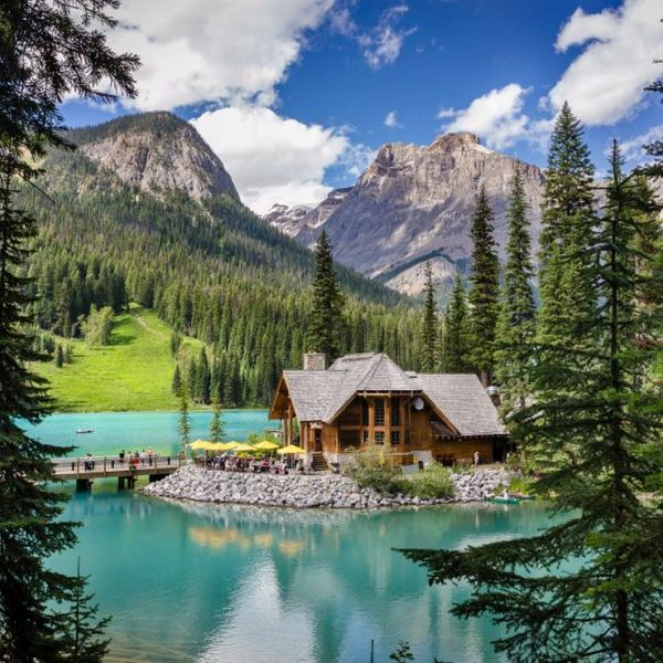 Emerald Lake Lodge - exterior