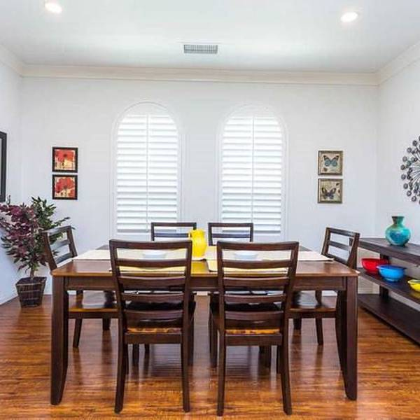 LA Homes - dining area
