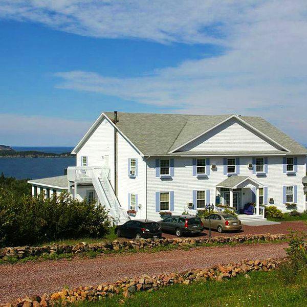 Castle Rock Country Inn - 1