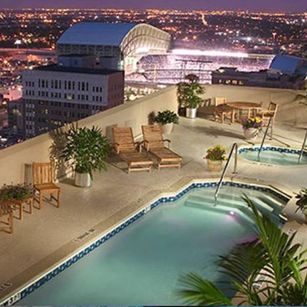 Magnolia Hotel Houston - rooftop pool